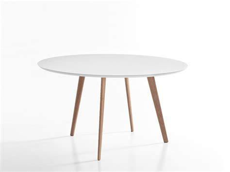 Buy the arper gher round table at nest co uk