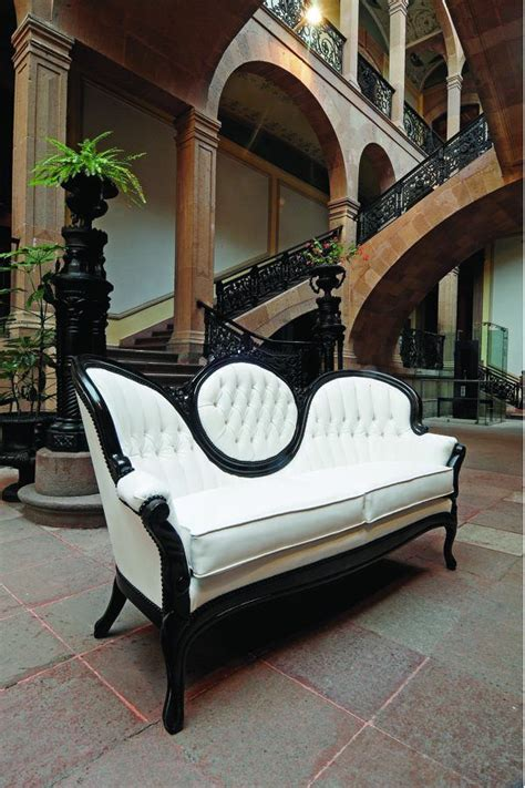 modern victorian couch 25 best ideas about victorian sofa on pinterest modern