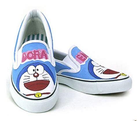 Doraemon Shoes doraemon painted shoes doraemon photo 33988616 fanpop