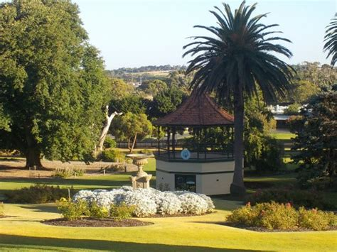 Warrnambool Botanic Gardens Rotunda Picture Of Warrnambool Botanic Gardens Warrnambool Tripadvisor