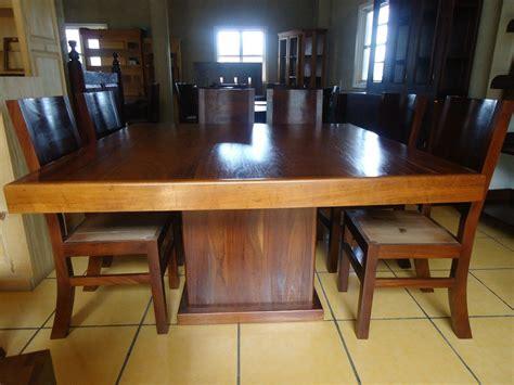 mesa comedor cuadrada   sillas madera parota