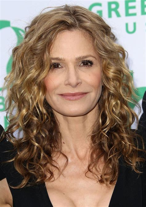 hair cor for 66 year old women best 25 medium length curly hairstyles ideas on pinterest
