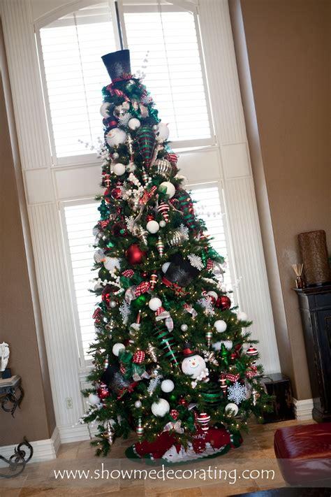 frosty snowman christmas tree ideas tree with frosty snowman themed tree www showmedecorating holidays