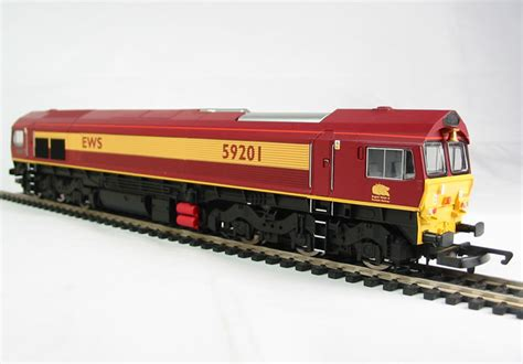 59201 Nismara Top 2 hattons co uk hornby r2520 class 59 59201 quot vale of york quot in ews livery