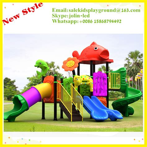 2015 new design outdoor children plastic playground slides
