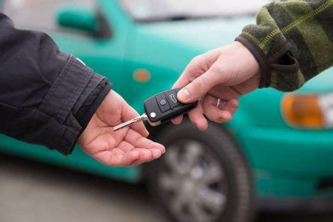 Versicherung Auto Freund Verleihen by Ratgeber Vorsicht Beim Verleih Des Autos An Freunde