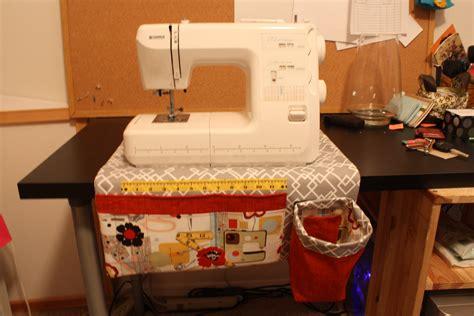 Sewing Machine Apron | pattern preview sewing machine apron schlosser designs