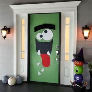 door decorations 25 halloween front door d 233 corations that you ll love shelterness