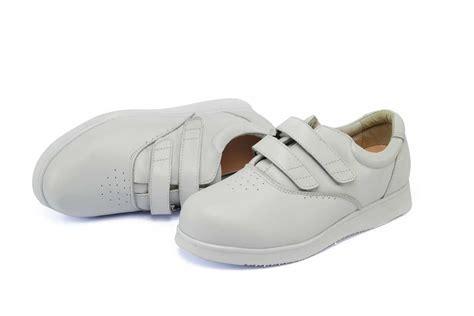 Shoes Mount mt emey 9301 womens comfort shoe up to 7e