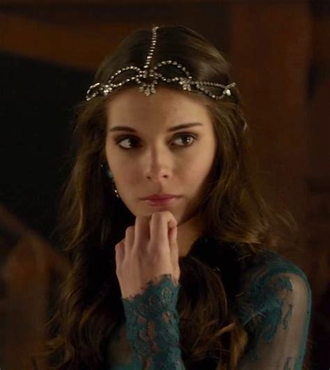 reign show hairstyles caitlin stasey as kenna in reign tv series 2013