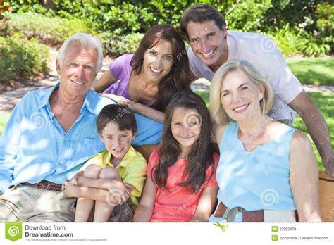 imagenes hijos felices familia feliz de los ni 241 os de los abuelos de los padres