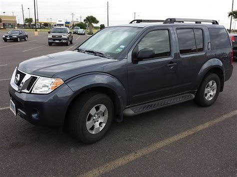 grey nissan pathfinder purchase used 2010 gray nissan pathfinder used le in