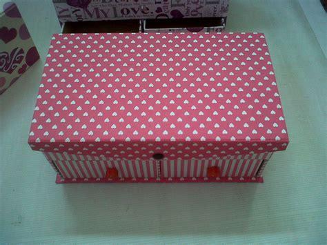 Bedak Wardah Warna Biru kotak serbaguna kuas make up dan kosmetik