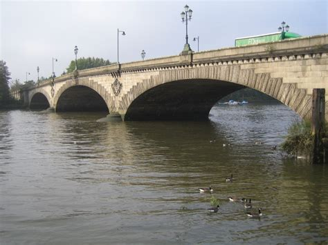 thames river kew westminster river thames kew bridge 169 nigel cox cc by sa 2 0