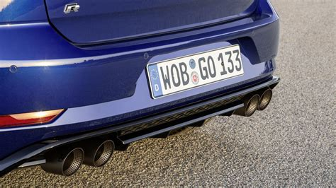 Vw Golf R Performance by Vw Golf R Performance Pack Has Akrapovic Exhaust Lighter