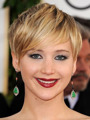 2014 short hairstyles for round faces jennifer lawrence short hair jennifer lawrence short haircut 2014 10 phong c 225 ch