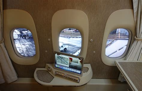 emirates virtual windows review emirates new first class 777 dubai to brussels