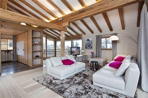 Beleuchtung Offenes Dachgeschoss by Ein Gem 252 Tlich Offener Wohnraum Erstreckt Sich 252 Ber Das