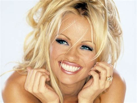 Non Permanent Wallpaper by Pamela Anderson Willing To Survive