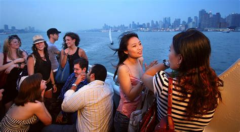 boat cruise concerts nyc concert cruises party boats rocks off circle line