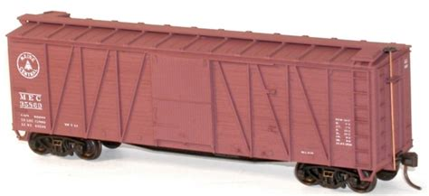 accurail  series  foot wood  braced boxcars
