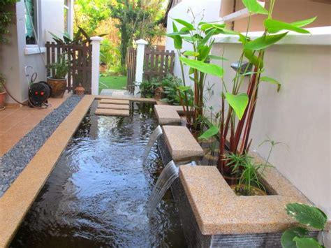 gambar desa in kolam ikan minimalis  depan rumah