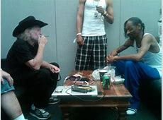 """Check Out: Willie Nelson feat. Snoop Dogg – """"Roll Me Up ... Jamey Johnson Songs Youtube"""