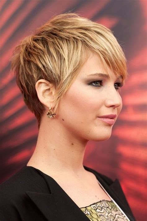 short layered hairstyles for thick hair 20 popular short haircuts for thick hair popular haircuts