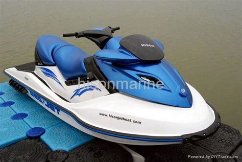 watercraft with 1400cc 4 stroke suzuki engine hs 006j5a