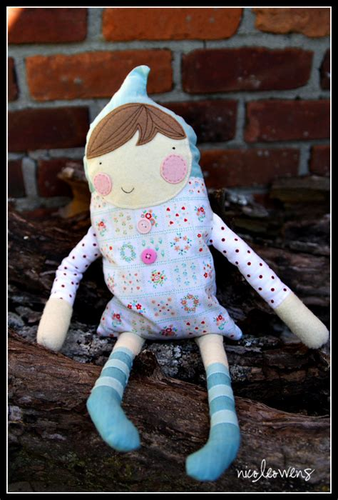 diy cute felt doll free sewing pattern and step by step 25 diy dolls and plush toys