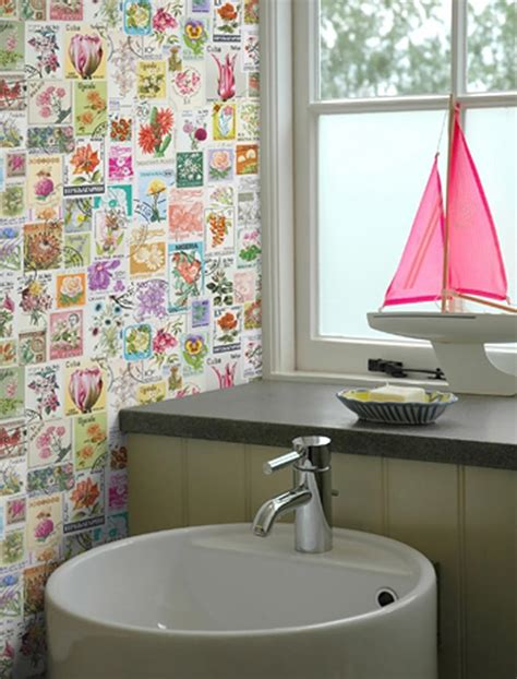 funky bathroom wallpaper ideas papiers peints cr 233 atifs pour une salle de bain design