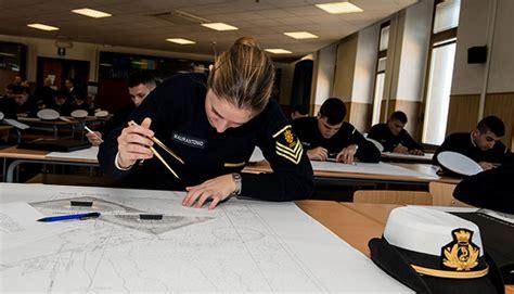 test ingresso accademia militare tra sport studio e mare sali a bordo con noi