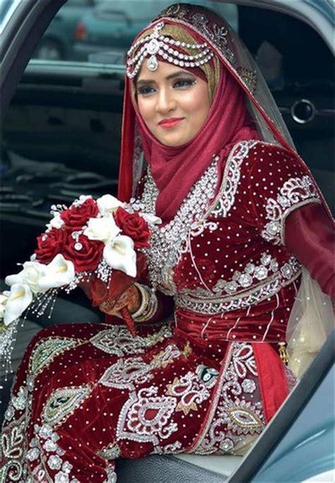 Baju Muslim Warna Merah untuk acara pesta pernikahan pesona modern