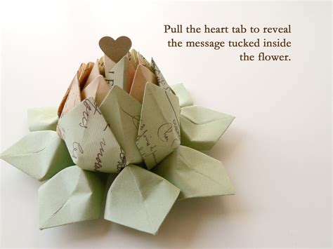 Secret Message Origami - personalized cartes postale origami lotus flower with a