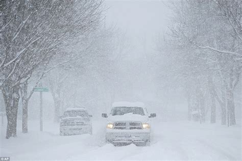 picture of snow us midwest weather sees winter dumps 16 inches