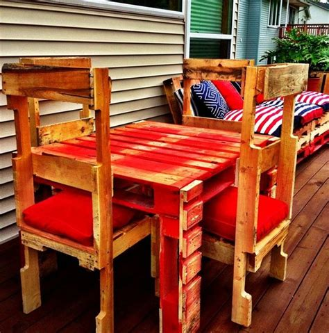 Pallet Table And Chairs by Eight Remodeling Pallet Ideas For Outdoor Furniture