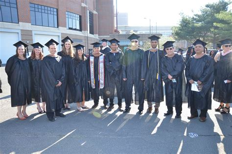 Mba Oath Ceremony Burden by 2015 Mba Oath And Graduation Isenberg