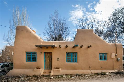what is an adobe house a pueblo style solar house in santa fe small house bliss