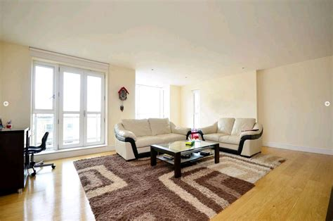 2 bedroom flat to rent in canary wharf 2 bed flat to rent westferry circus canary wharf e14 8rp