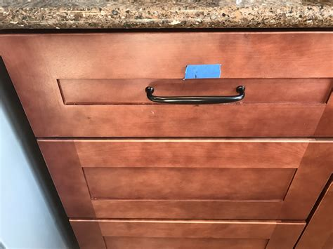 installing kitchen cabinet hardware how to install kitchen cabinet hardware without coming