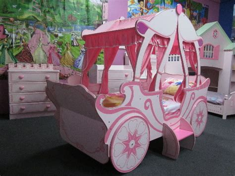 carriage bed for girl carriage bed google search lilly pinterest princess room bedrooms and car bed