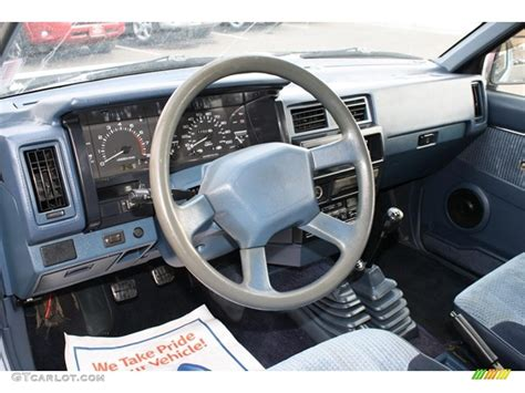 nissan trucks interior 1993 nissan truck interior pictures to pin on pinterest
