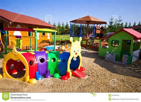 juguetes jard 237 n para los ni 241 os foto de archivo - Juguetes De Jardin Para Ni Os