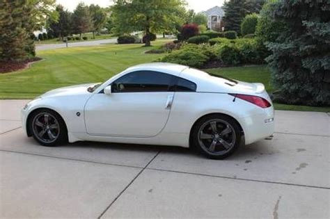 white nissan 350z purchase used pearl white 2007 nissan 350z sports car