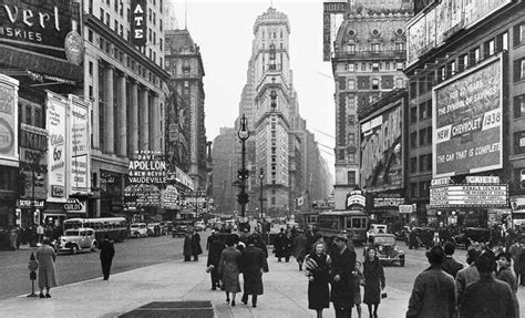 imagenes a blanco y negro de ciudades me comen los libros