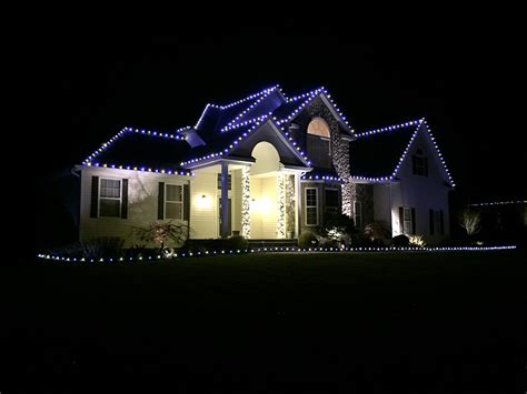 christmas light hanging service decorations photo gallery