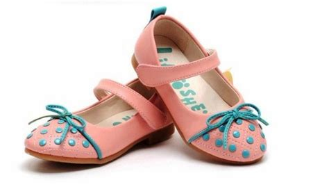 Sepatu Anak Lucu 16 16 trend model sepatu anak perempuan masa kini style remaja