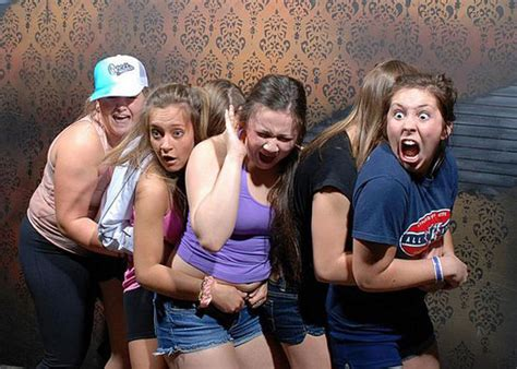 haunted house funny pictures a haunted house snaps photos at the scariest moment of the tour and i can t stop