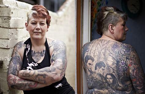 menebak pemenang oscar 2018 dari poster iklannya wanita ini habiskan rp 160 juta demi tato robert pattinson