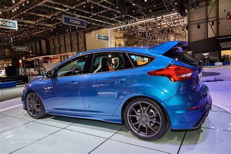 2016 ford focus rs is a liquid blue hooligan s hatch in geneva autoevolution